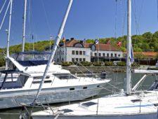 Dockyard Hotel satsar framåt